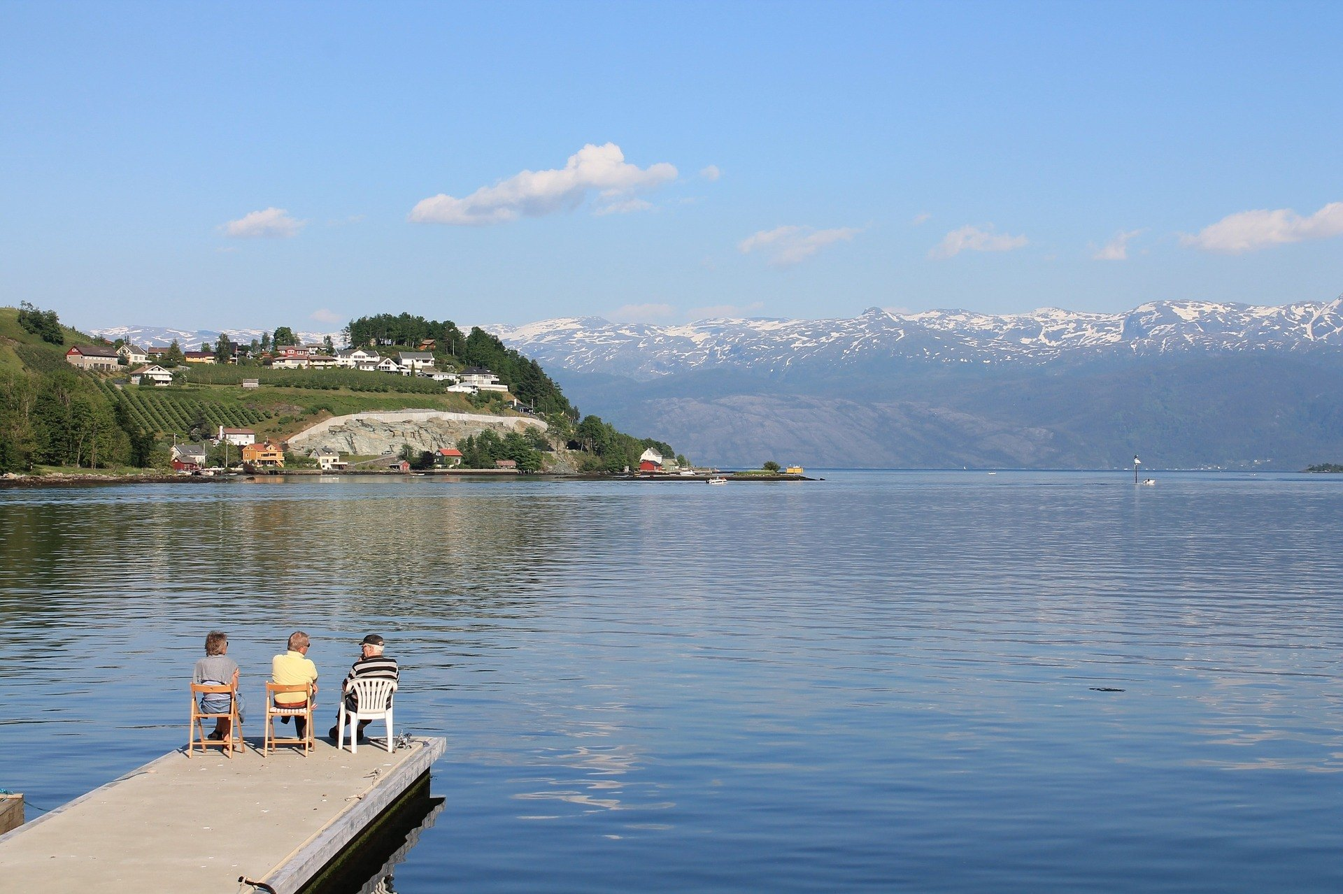 retire abroad pension options